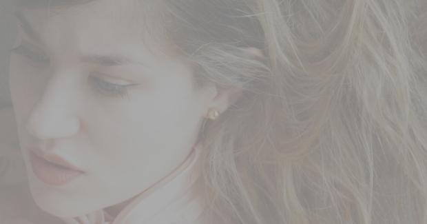 Amy earring 1